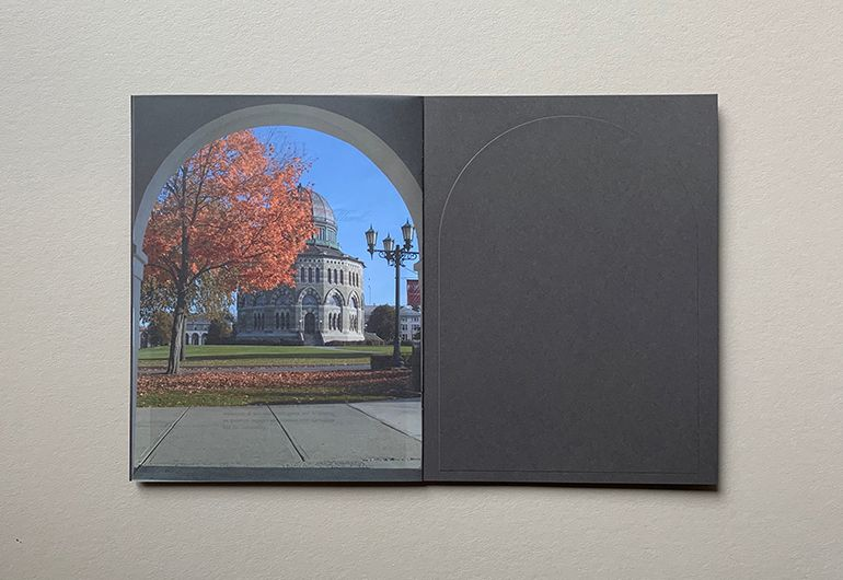 2kDesign_Identity_UnionCollege_TheArchBrochure_8_770x530.jpg