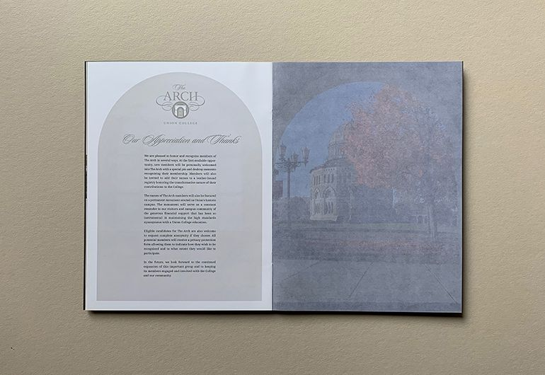 2kDesign_Identity_UnionCollege_TheArchBrochure_7_770x530.jpg