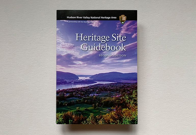 2kDesign_Collateral_HRVNA_Guidebook_1_770x530.jpg